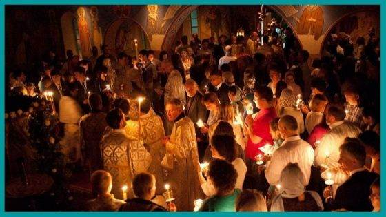 How do Christians greet Easter to each other in Orthodox traditions?
